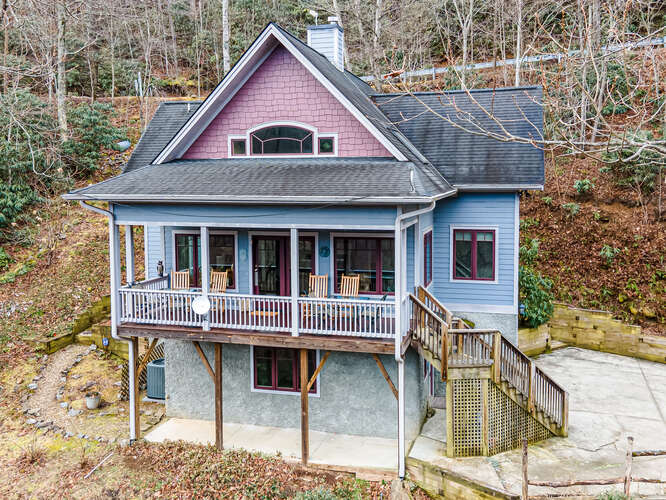 Nest Realty Black Mountain in NC