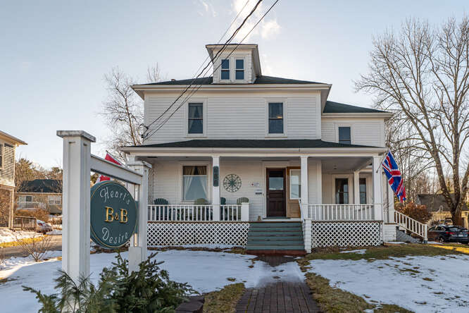 Bryant Realty  Mahone Bay in NS