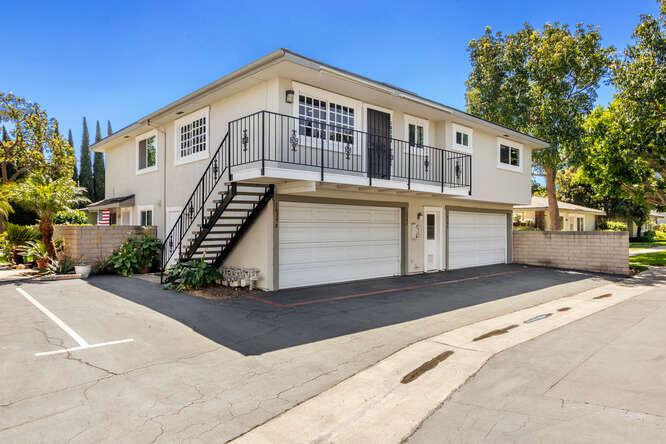 Seven Gables Huntington Beach in CA