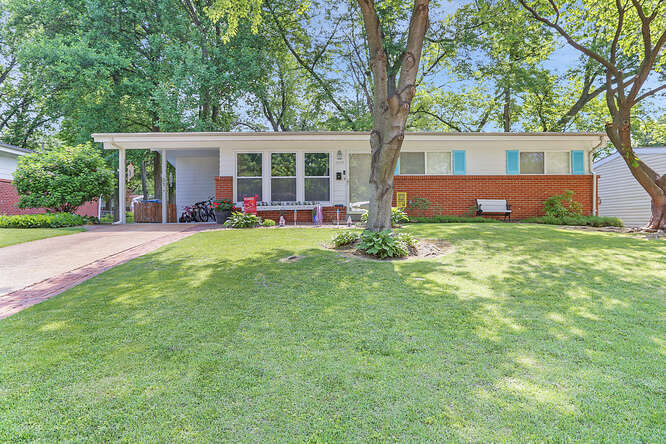 RED Realty Florissant in MO