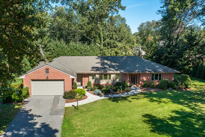 R.A. McCullough Homes LLC Longmeadow in MA